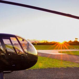 Полет на вертолете с шампанским на закате
