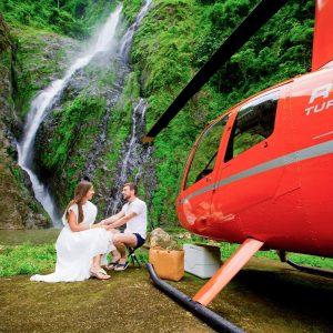 Полет на вертолете на водопад Ля Хальда+пляж Эсмеральда